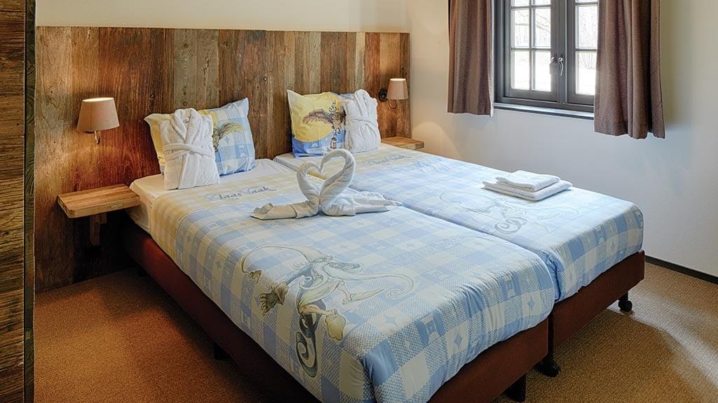 Luxe boshuys 8 persoons efteling bosrijk - Volwassen slaapkamer arrangement ...
